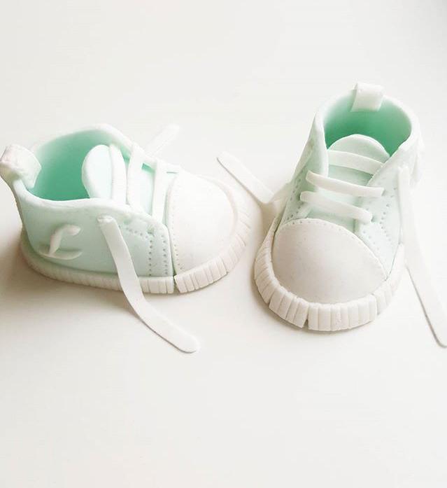 Christening-cake-sneaker-toppers