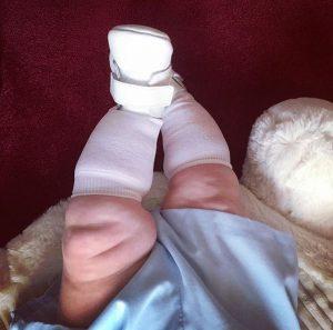 chubby-newborn-legs