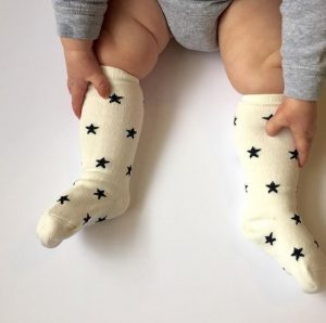 baby-clothes-socks